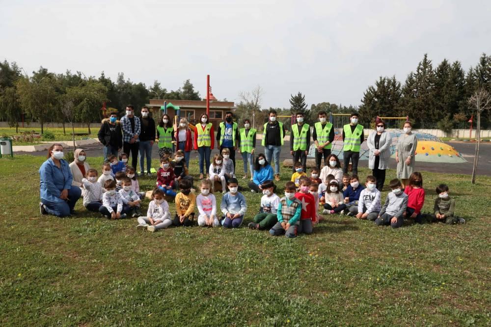 Çukurova Üniversitesi Anaokulu Öğrencileri Fidanları Toprakla Buluşturdu