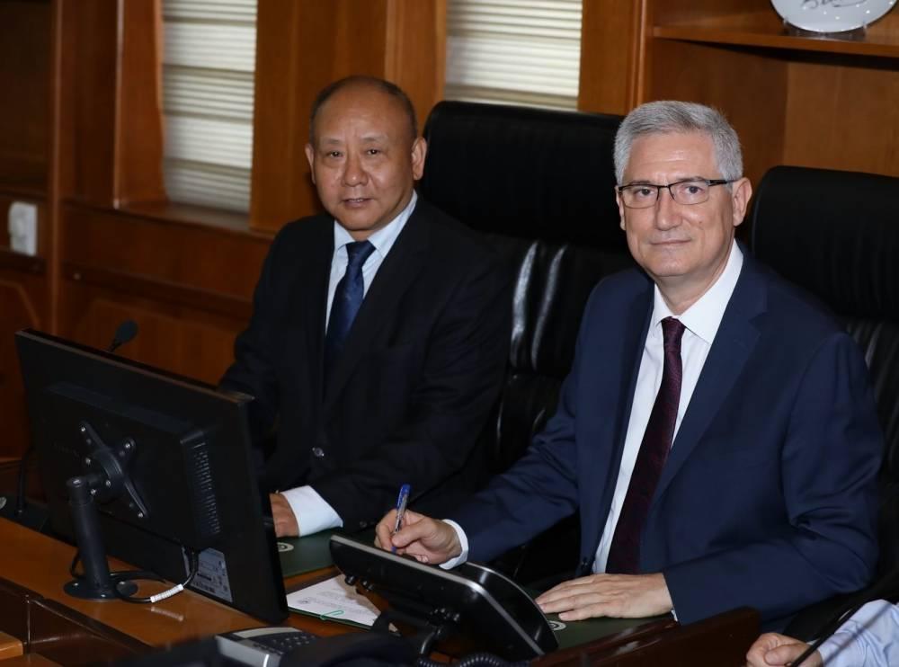 Çin Heyeti Rektör Prof. Dr. Kibar'ı Ziyaret Etti