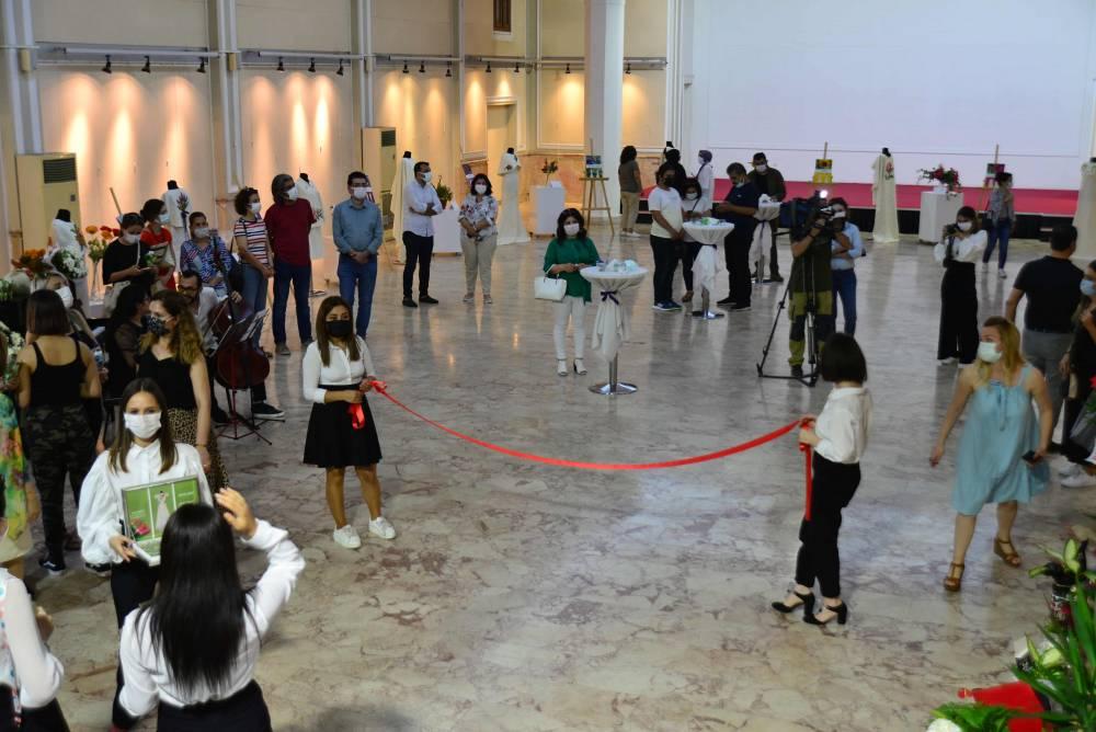 Lisan-I Ezhar (Çiçeklerin Dili) Mozaik Etkisi İle Giysi Tasarımı Sergisi Açıldı