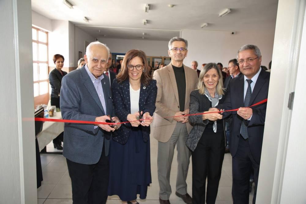 Fen Edebiyat Fakültesi Ek Hizmet Binasına Yeni Bir Seminer Salonu Kazandırıldı