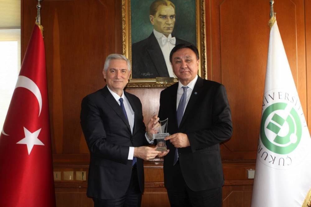 Kırgız Cumhuriyeti Ankara Büyükelçisi Ömüraliyev, Rektör Prof. Dr. Kibar'ı Ziyaret Etti