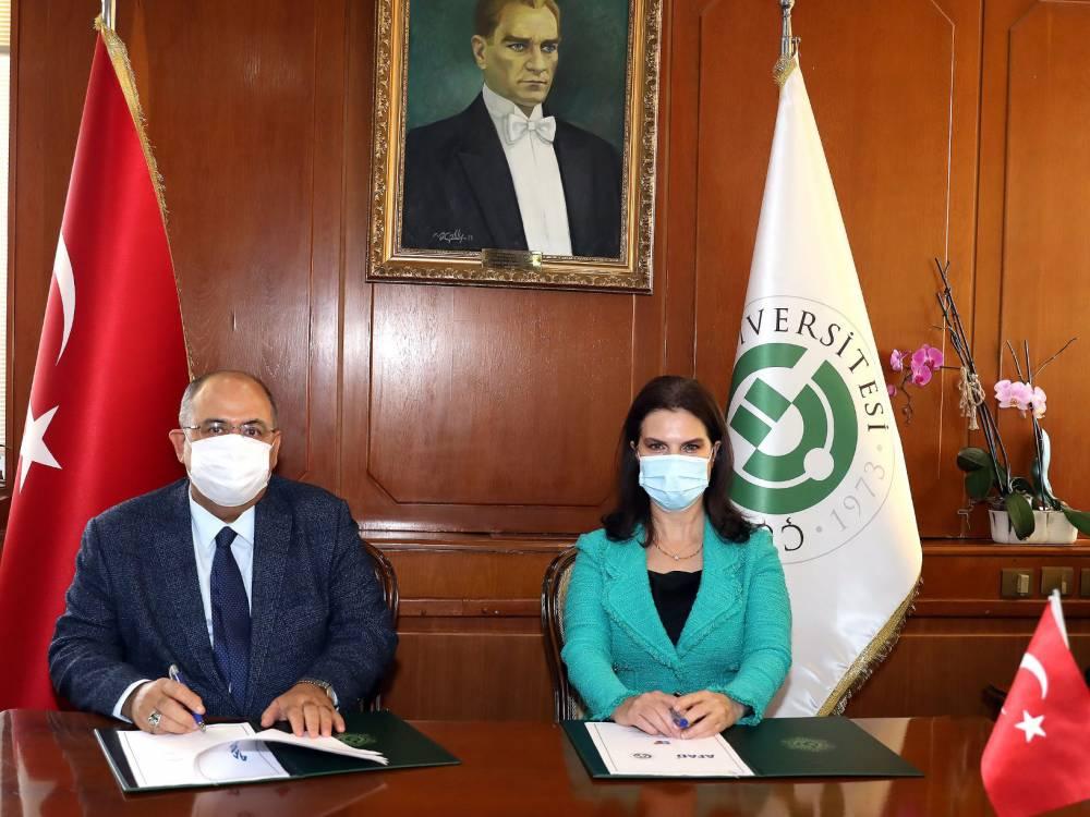 """ÇÜ İle AFAD Arasında """"Afet Farkındalık Eğitimi İşbirliği"""" Protokolü İmzalandı"""