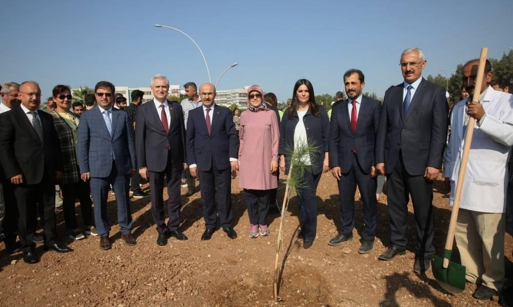 """""""11 Milyon Fidanı Toprakla Buluşturuyoruz, 11 Milyon Ağaç, Bugün Fidan, Yarın Nefes"""" Projesi Kapsamında Tören Düzenlendi"""