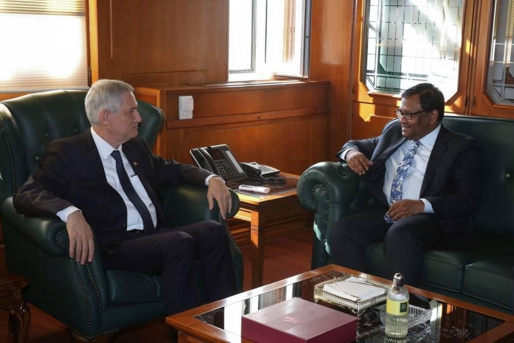 Bangladeş Büyükelçisi Siddiki Çukurova Üniversitesini Ziyaret Etti
