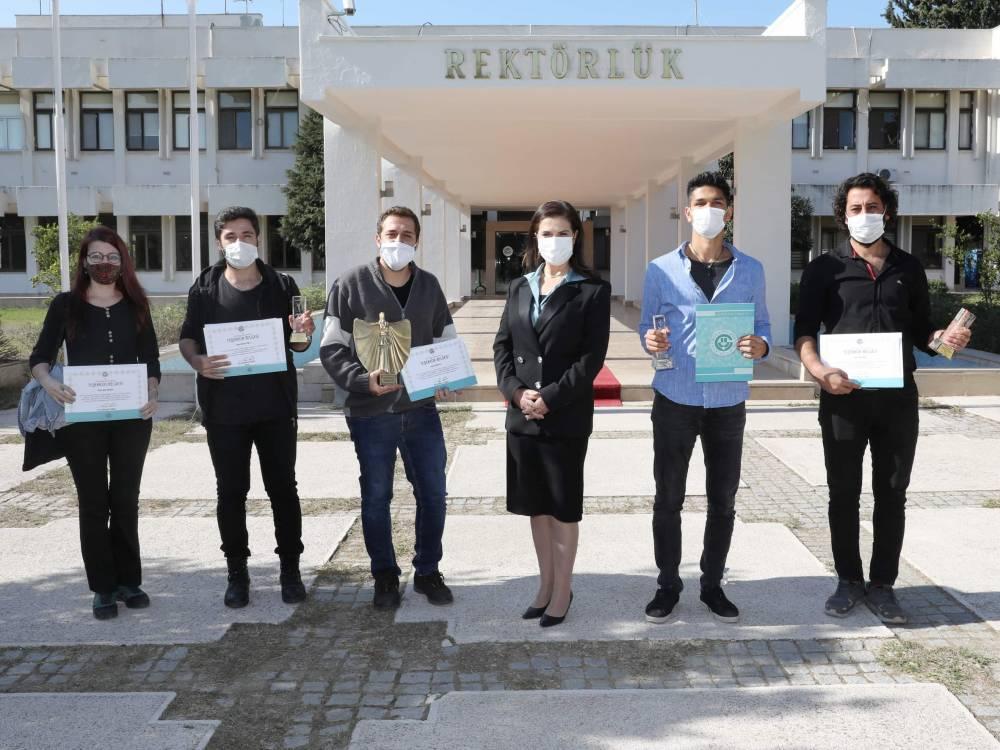 ÇÜ İletişim Fakültesinin Genç Yeteneklerine Rektör Prof. Dr. Tuncel'den Teşekkür Belgesi
