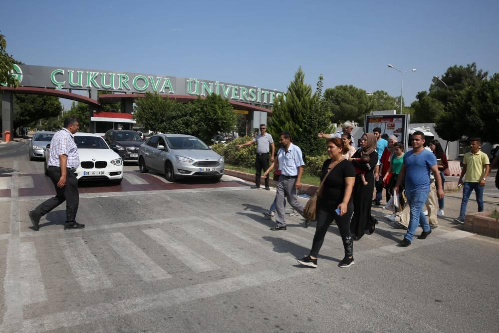 Çukurova Üniversitesinde 'Öncelik Hayatın, Öncelik Yayanın' Uygulaması Yapıldı