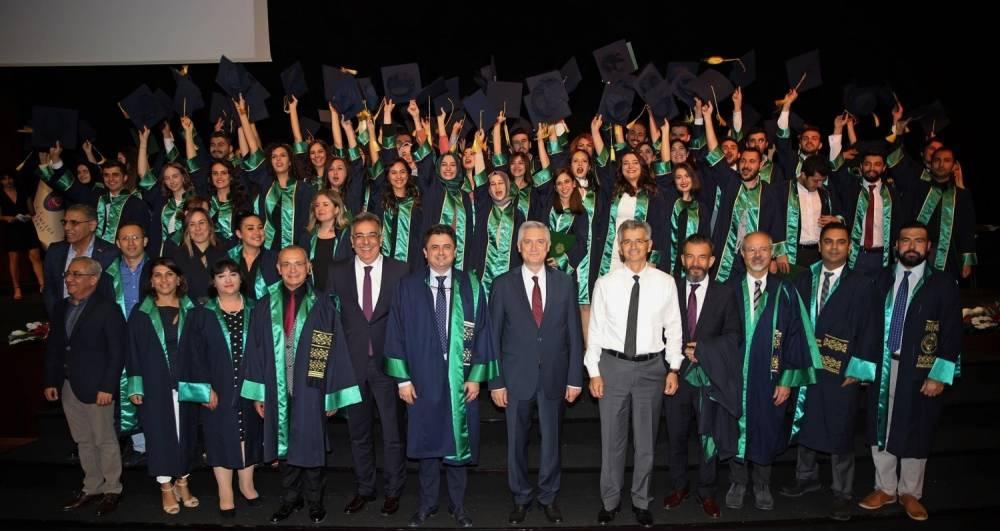 Çukurova Üniversitesi Diş Hekimliği Fakültesi Yeni Mezunlarını Uğurladı
